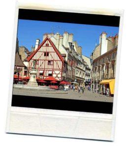 Place François Rude, l'un des points d'intérêt de cette visite du centre ville de Dijon.
